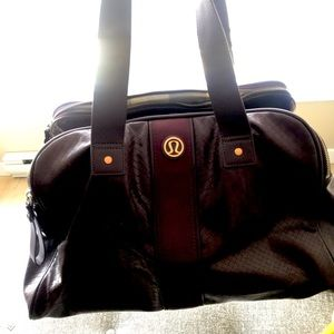Purple Lululemon gym bag
